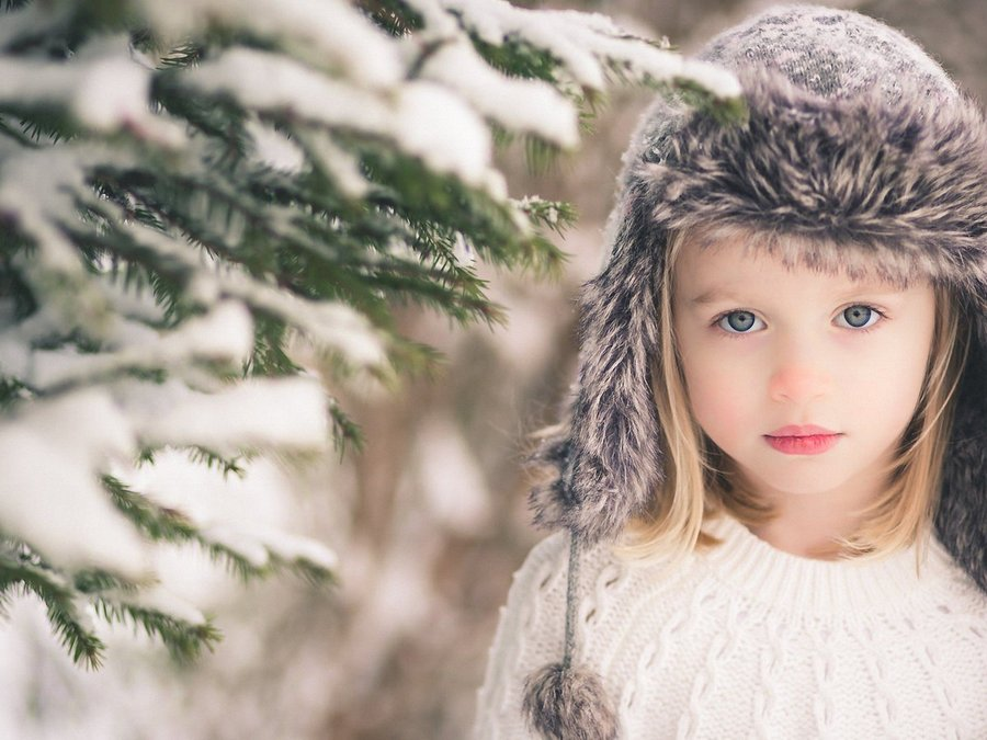 冬天可爱小女孩