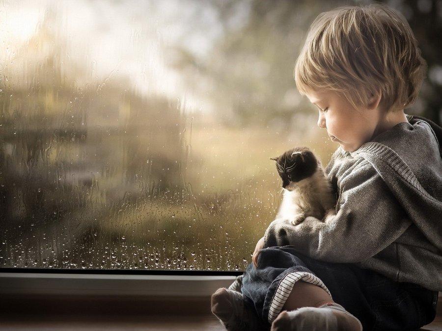 孤单可爱小孩