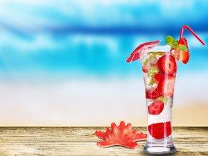 美味的草莓雞尾酒