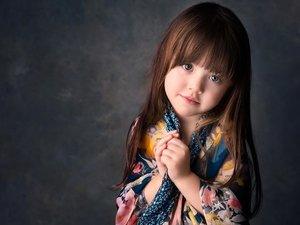 微笑的小女孩
