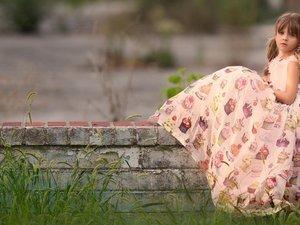 孤独的欧美小女孩