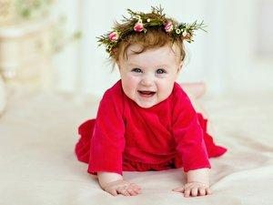 开心的婴儿