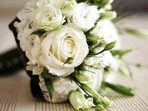 漂亮的白色花束